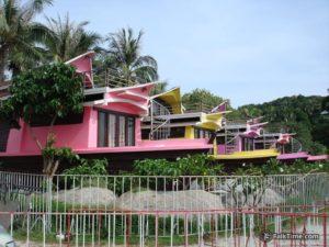 Ship-like bungalows