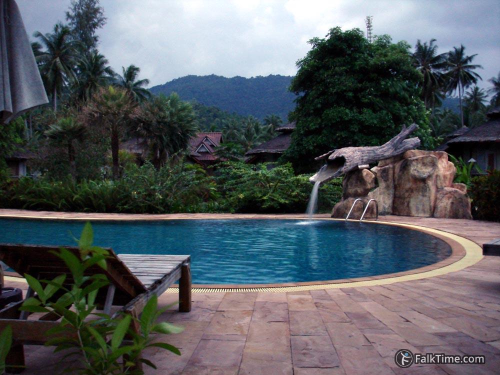 Picturesque pool at Koh Phangan