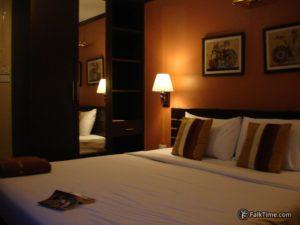 Room in cheap Thai hotel