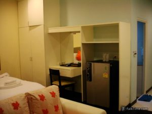 Spacious room in a hotel