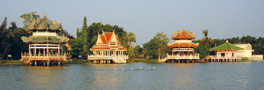 Naga pavilions in wat Yan
