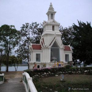 Shrine in wat Yan