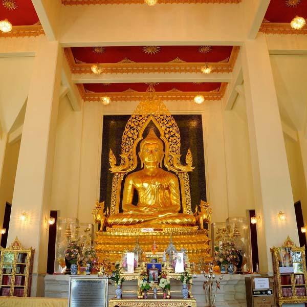 Buddha in Ariya Metteyya wihan