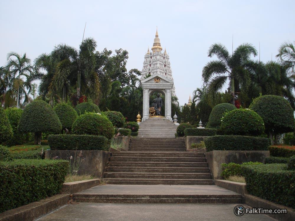 Memorial garden in wat Yan