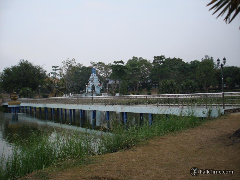 Virulhaka shrine in wat Yan
