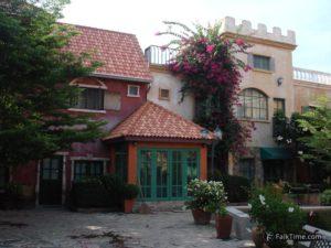 Main square in Holland Tulip resort