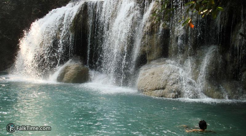 2d level of Erawan waterfall