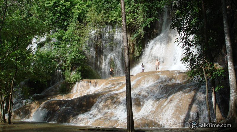 Sai Yok Noi waterfall